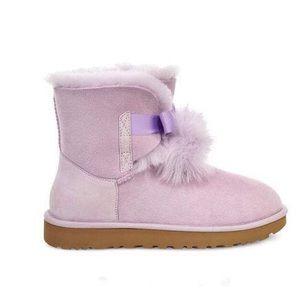 Women's UGG Gita lavender fog pom pom Boots new